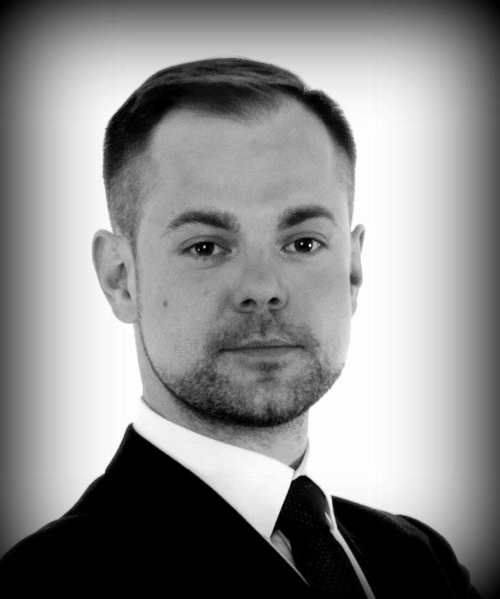 <b>Tomasz Zoń</b> : absolwent pedagogiki, animacji kultury i filologii włoskiej. - IMG_0464